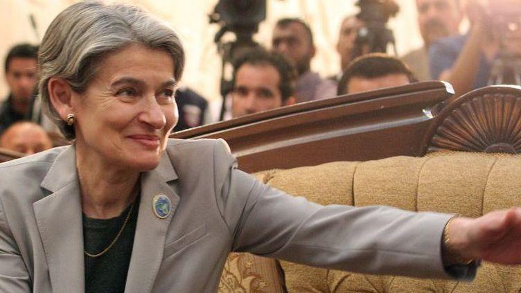 Visite d'Irina Bokova au musée de Bagdad, le 28 mars 2015, pour défendre le patrimoine irakien pris pour cible par le groupe terroriste Daech. (AFP PHOTO / SABAH ARAR)