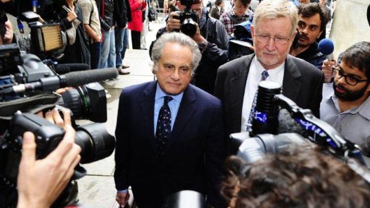 Benjamin Brafman et William Taylor, les avocats de Dominique Strauss-Kahn, à New York (15/05/2011) (AFP / Emmanuel Dunand)