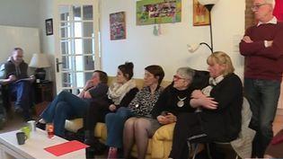 Des habitants de Liévin (Pas-de-Calais) réunis chez des particuliers pour le grand débat national (CAPTURE D'ÉCRAN FRANCE 2)