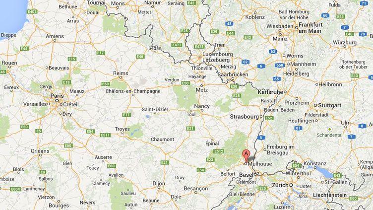 Une fillette de 3 ans a été retrouvée seule dans un appartement de Mulhouse (Bas(Rhin) par la police, dans la nuit du samedi au dimanche 16 février 2014. ( GOOGLE MAPS / FRANCETV INFO )