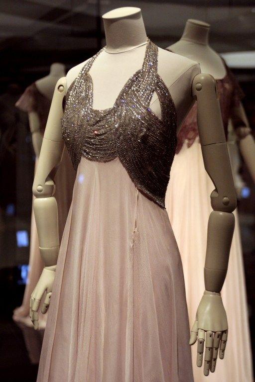 Vionnet, robe de soirée 1938  (FRANCOIS GUILLOT / AFP)