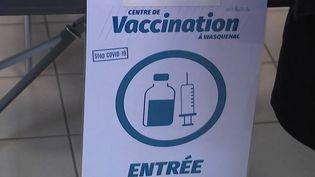 Vaccination contre le Covid-19 : la campagne s'ouvre aux 12-17 ans (FRANCE 2)