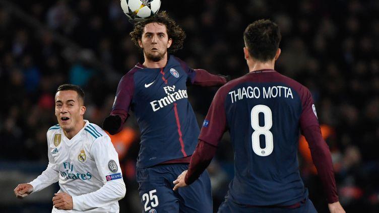 Le joueur du PSG Adrien Rabiot face au Real Madrid, en Ligue des champions, le 6 mars 2018. (CHRISTOPHE SIMON / AFP)