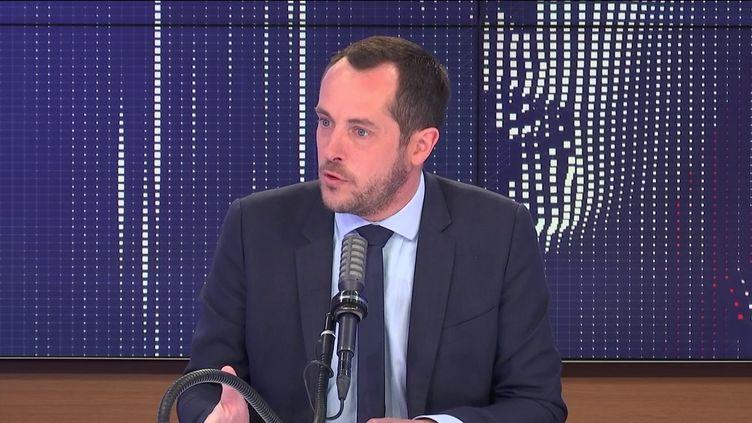 """Nicolas Bay,député européen Rassemblement national était l'invité du """"8h30 franceinfo"""", samedi 8 mai 2021. (FRANCEINFO / RADIOFRANCE)"""