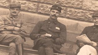Georges Noël, au centre, en 1917  (France 3 / culturebox / capture d'écran)