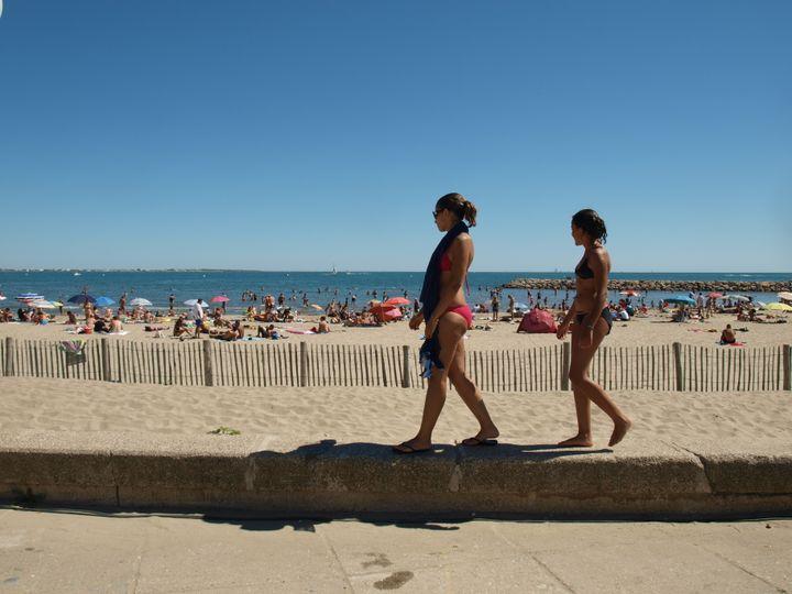 Tissem et sa petite sœur Imane, originaires de Toulouse. (ARIANE NICOLAS / FTVI)