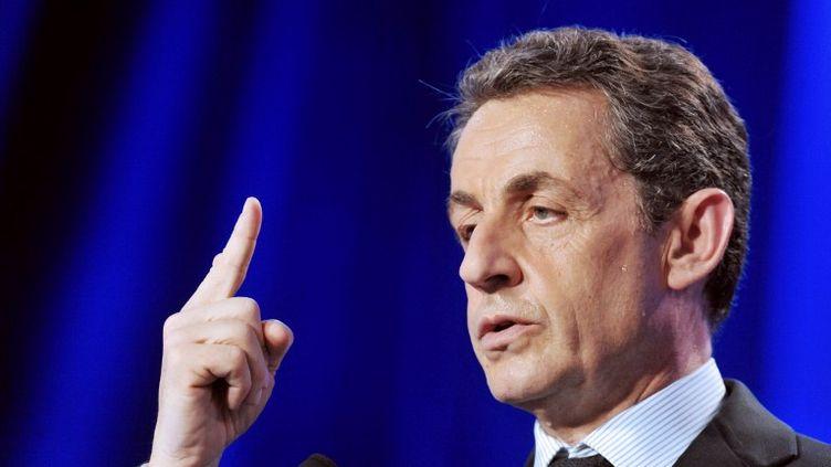 Nicolas Sarkozy en meeting à Tours (Indre-et-Loire), lundi 23 avril 2012. (ALAIN JOCARD / AFP)