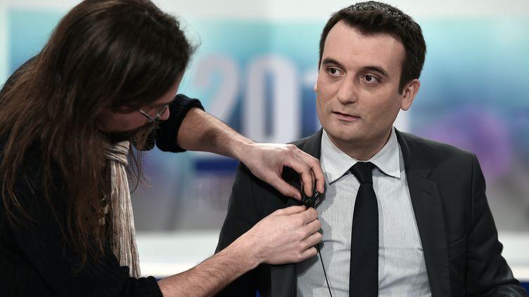Florian Philippot sur un plateau de télévision lors d'un débat consacré aux élections régionales, le 2 décembre 2015 à Strasbourg. (FREDERICK FLORIN / AFP)