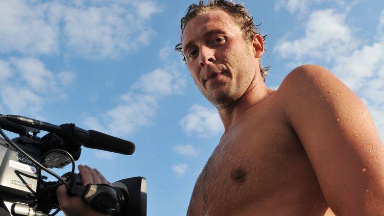 Amaury Leveaux, nageur, annonce son retour à la compétition. (THIERRY ZOCCOLAN / AFP)