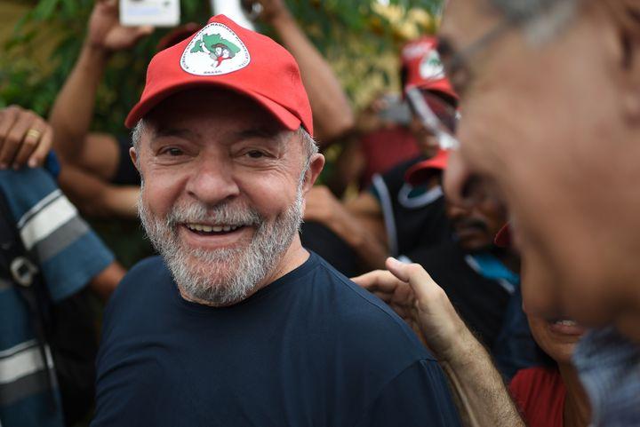L'ancien président brésilien Luiz Inacio Lula da Silva lors d'une visite à Itatiaiucu, dans l'Etat du Minas Gerais (Brésil), le 21 février 2018. (DOUGLAS MAGNO / AFP)
