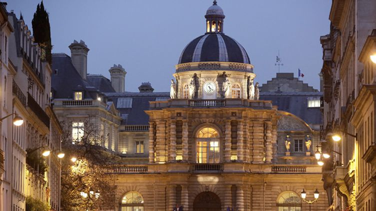 (Le Sénat est abrité sous les ors du Palais du Luxembourg, à Paris © Maxppp)