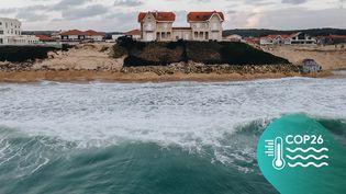 Les maisons jumelles et le grand hôtel de la plagede Biscarrosse (Landes), le 15 janvier 2021. (PIERRE MOREL / FRANCEINFO)