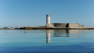 """Le Fort-Cigogne,dans l'archipel des Glénan, fait partie des 18 """"sites emblématiques"""" qui seront aidés en priorité par le nouveau loto du patrimoine. (FRANK MAY / PICTURE ALLIANCE / AFP)"""