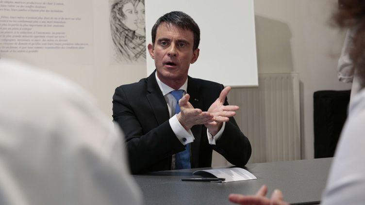 Le candidat à la primaire de la gauche, Manuel Valls, le 24 janvier 2017 à Saint-Denis (Seine-Saint-Denis). (GEOFFROY VAN DER HASSELT/AP/SIPA / AP)