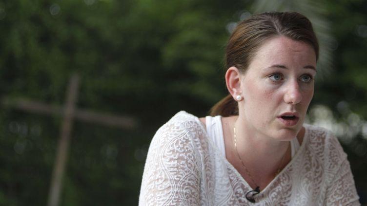 Marte Dalvev, le 19 juillet 2013, donne une interview après sa condamnation à 16 mois de prison à Dubaï après avoir été violée. (KAMRAN JEBREILI / AP / SIPA)