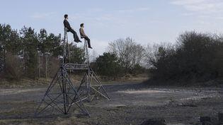 La Cie Migration ouvre Châlon dans la rue avec son show poétique d'acrobaties  (Sirque)