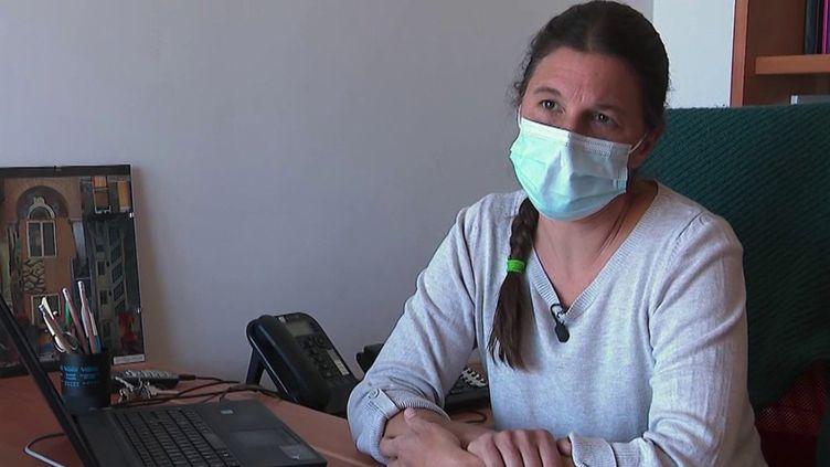 À compter du samedi 16 octobre, les soignants non-vaccinés contre le Covid-19 seront suspendus et privés de leur salaire tant qu'ils n'auront pas régularisés leur situation. (CAPTURE ECRAN FRANCE 2)