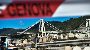 Une partie du pont Morandi à Gênes s'est effondrée mardi 14 août. (PIERO CRUCIATTI / AFP)