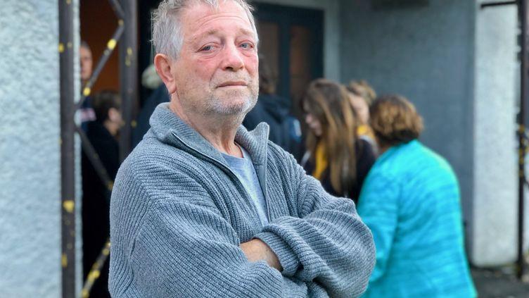 Patrice, l'un des sinistrés accueilli au Dojo de Trèbes. (MATTHIEU MONDOLONI / RADIO FRANCE)