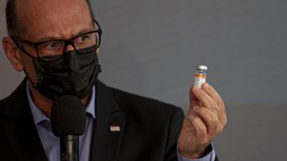 Le gouverneur de Sao Paulo, Joao Doria, le 10 décembre 2020 lors d'une conférence de presse, annonce présentele vaccin chinoisCoronavac contre le Covid-19, pas encore homologué au Brésil. (LECO VIANA / MAXPPP)
