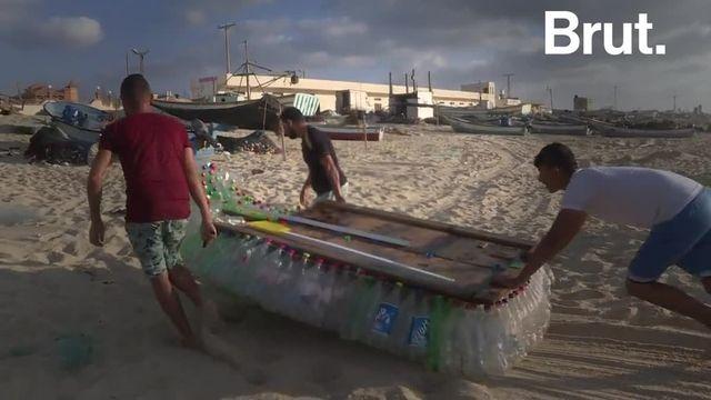 Des centaines de bouteilles en plastique abandonnées sur la plage. C'est avec ces déchets que Muath Abou Zeid a fabriqué le bateau qui lui permet de nourrir sa famille.