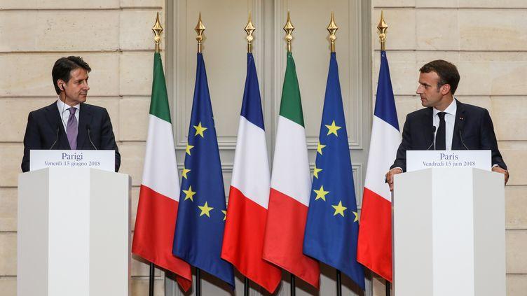 Le président du Conseil italien Giuseppe Conte et Emmanuel Macron lorsd'une conférence de presse à l'Elysée, le 15 juin 2018. (LUDOVIC MARIN / REUTERS)