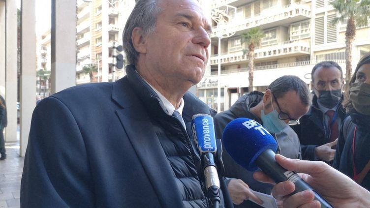 Renaud Muselier, alors président de la Région Provence Alpes Côte d'Azur et président des Régions de France, interviewé en marge de la visite de Jean Castex à Toulon (Var), le 5 janvier 2021. (SOPHIE GLOTIN / FRANCE-BLEU PROVENCE)