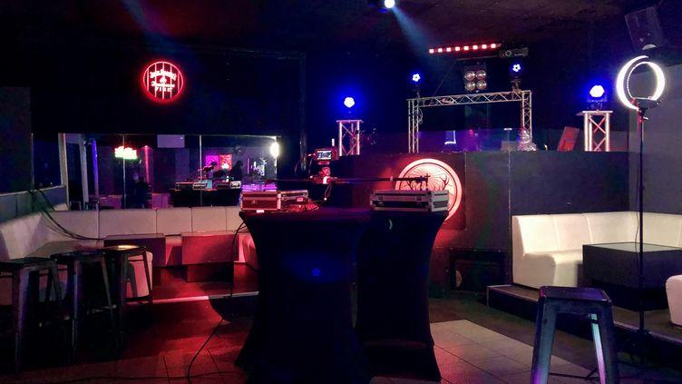 Une discothèque à Périgueux (Périgord), en décembre 2020. (XAVIER DALMONT / RADIOFRANCE)