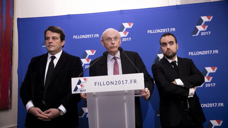 Thierry Solère, Patrick Stefanini et Sébastien Lecornu présentent l'organigramme de campagne de François Fillon, le 15 décembre 2016 à Paris. (VINCENT ISORE / MAXPPP)