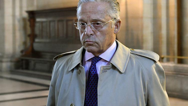 LeFranco-Américain Guy Wildenstein à son arrivée au tribunal correctionnel de Paris, le 22 septembre 2016. (ERIC FEFERBERG / AFP)