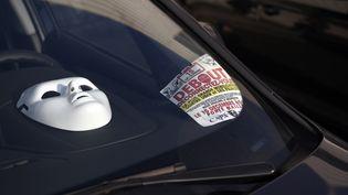 Les chauffeurs de VTC sont mobilisés depuis jeudi 15 décembre. Ils veulent faire entendre leurs revendications notamment à la société américaine Uber, pour un meilleur salaire et moins de précarité. (ALAIN JOCARD / AFP)