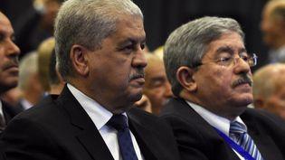 Les deux Premiers ministres Abdelmalek Sellal (G)et Ahmed Ouyahia(D) à Alger, le 5 mai 2016. (FAROUK BATICHE / AFP)