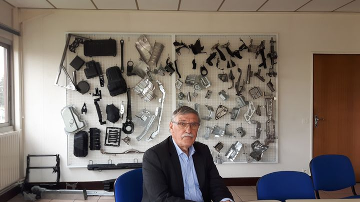 Michel Vergnier, député socialiste de la Creuse, dans les locaux de GM&S Industry à La Souterraine, en avril 2017. (ISABELLE RAYMOND / RADIO FRANCE)
