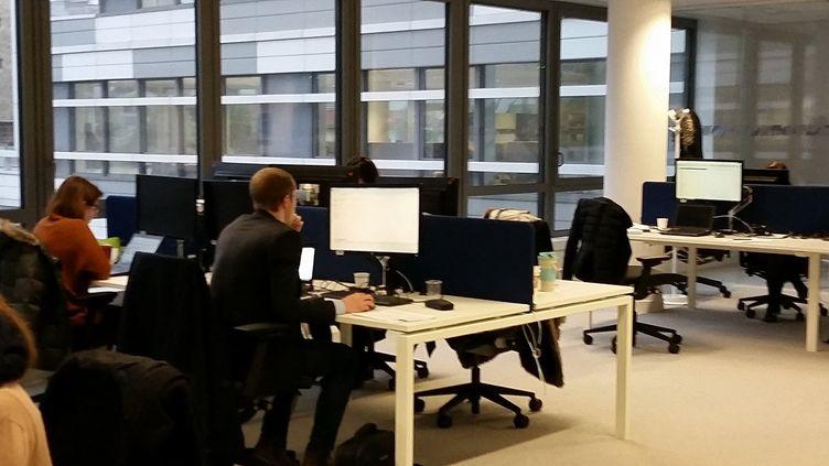 Open space sans bureau fixe chez Sanofi (LAETITIA SAAVEDRA / RADIO FRANCE)