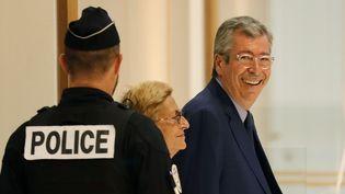 Patrick et Isabelle Balkany, au tribunal de Paris, le 13 septembre 2019. (THOMAS SAMSON / AFP)