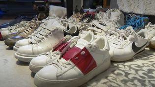 La folie des baskets a gagné toutes les générations, mais certains sont prêts à dépenser des fortunes pour agrandir leur collection. Des modèles rares se négocient parfois à des milliers d'euros.  (France 3)