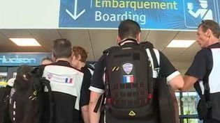Face à l'ampleur des dégâts causés par l'ouragan Irma à Saint-Martin et Saint-Bathélémy, les secours ont mis en place un dispositif exceptionnel. Ils s'organisent à l'aéroport de Pointe-à-Pitre (Guadeloupe) où l'on retrouve Catherine Matausch. (FRANCE 3)