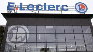 La façade d'un magasin Leclerc à Houilles (Yvelines), en mars 2018. (MAXPPP)