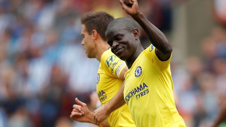 N'Golo Kante célèbre son but marqué avec Chelsea lors de la première journée de championnat face àHuddersfield, le 11 août 2018, au John Smith's Stadium àHuddersfield. (CARL RECINE / REUTERS)