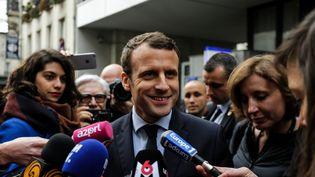 Le candidat d'En marche ! à la présidentielle, Emmanuel Macron, s'adresse à la presse le 13 mars 2017 à Paris. (CITIZENSIDE/SADAK SOUICI / AFP)