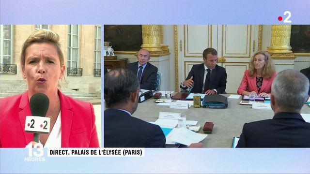 """Remaniement : Emmanuel Macron veut """"tourner la page"""""""