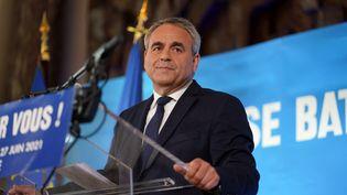 Le président de la région Hauts-de-France, Xavier Bertrand, le 27 juin 2021 à Saint-Quentin (Aisne). (SYLVAIN LEFEVRE / HANS LUCAS / AFP)