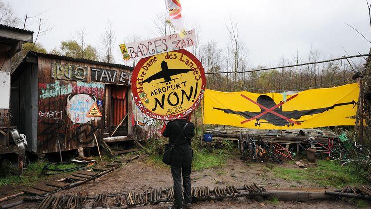 """La """"zone à défendre"""" de Notre-Dame-des-Landes (Loire-Atlantique), occupée par les opposants au projet d'aéroport, le 8 novembre 2014. (JEAN-SEBASTIEN EVRARD / AFP)"""
