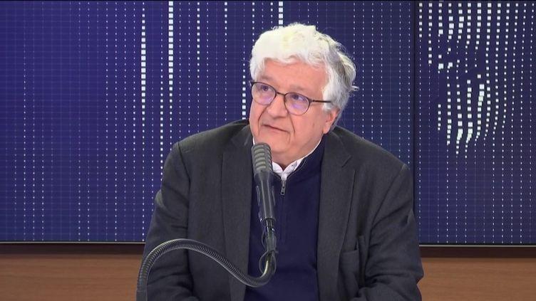 Elie Cohen, économiste au CNRS, sur franceinfo le 14 mars 2020. (FRANCEINFO / RADIO FRANCE)