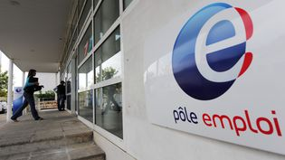 Une agence Pôle emploi au Mans (Sarthe), le 4 septembre 2009. (JEAN-FRANCOIS MONIER / AFP)