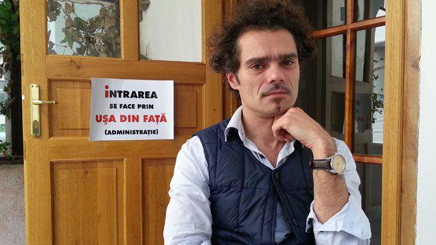 """(""""A un moment donné, la cocotte-minute explose"""" Benoît Bavouset, directeur de l'institut français de Cluj © RF/Sébastien Baer)"""