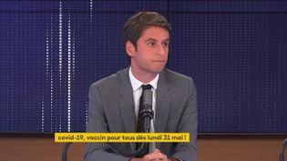 """Gabriel Attal, le porte-parole du gouvernement était l'invité du """"8h30franceinfo"""",vendredi 28mai 2021. (FRANCEINFO / RADIOFRANCE)"""