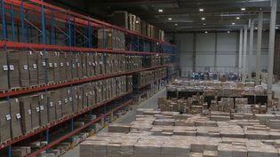 Avec le développement du commerce en ligne durant la crise sanitaire, les entreprises produisent en masse des cartons d'emballage. (CAPTURE ECRAN FRANCE 2)