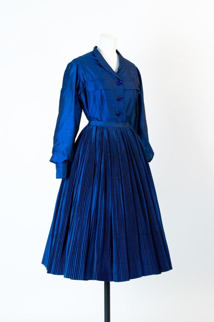 Ensemble Saphir, Christian Dior, collection Haute Couture Automne-Hiver 1951 (Benoit Croisy, coll. ville de Granville)