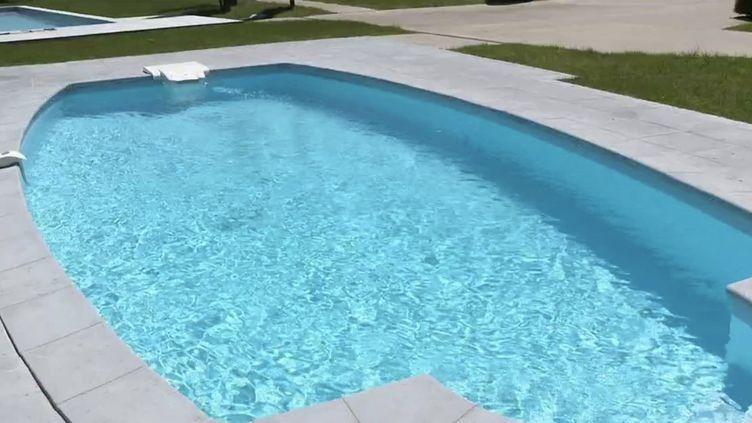 Consommation : les ventes de piscines individuelles explosent dans l'Hexagone (FRANCE 3)